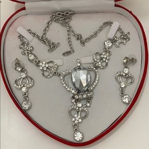 Rhinestone silver necklace earring set